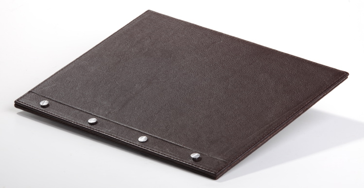 HOSPITALITY FOLDER A4 – screws outside