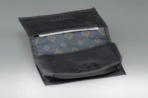 kbussmed-leather business card holders